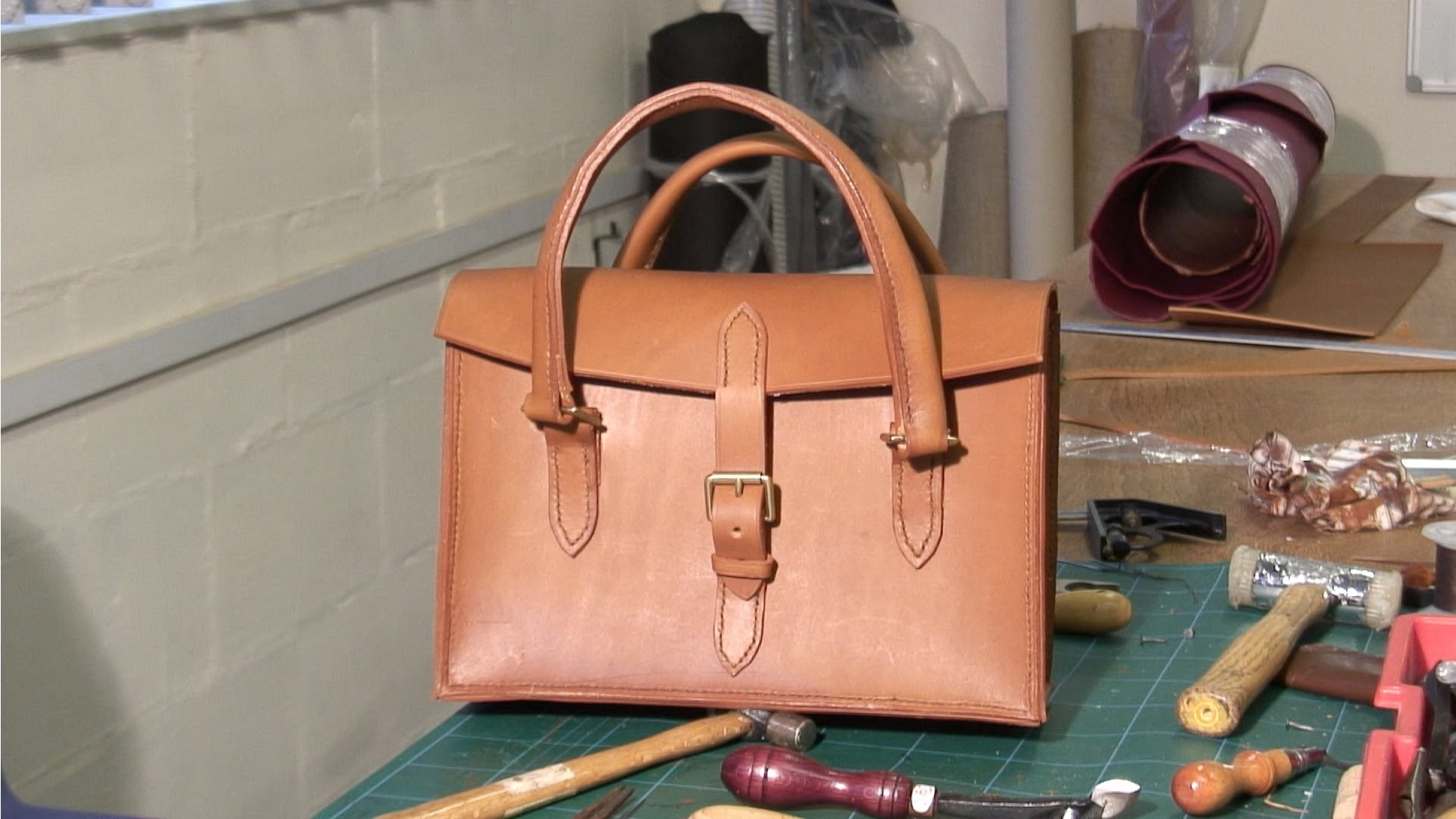 Hand Stitched Ladies Leather Handbag