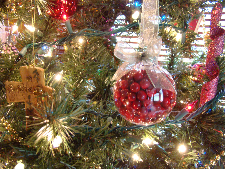 Easy Glass Christmas Ornament Tutorial