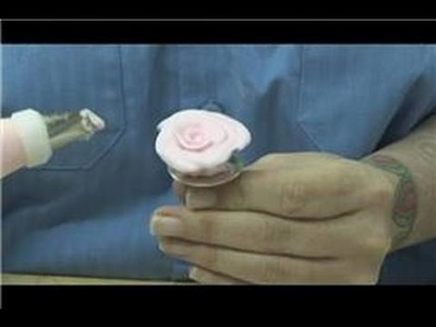 Pastry Decorating : How to Make Frosting Roses