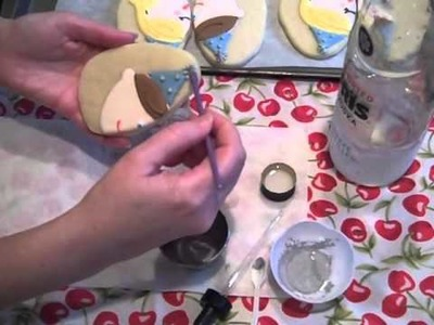 How to Apply Luster Dust to a Decorated Cookie