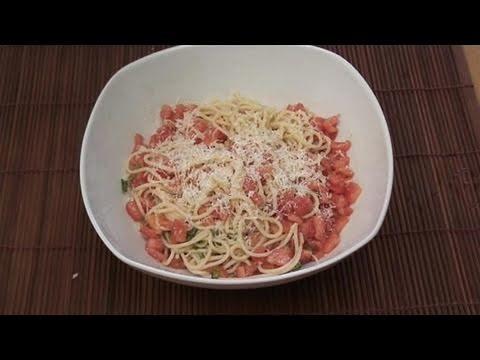 How To Prepare Tomato Pasta Freshly Made