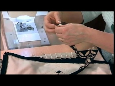 105-3 Pam Damour demonstrates the 10 steps to a perfect pillow on It's Sew Easy