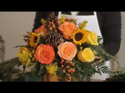 How Do I Make a Simple Thanksgiving Centerpiece? : Flowers & Centerpieces