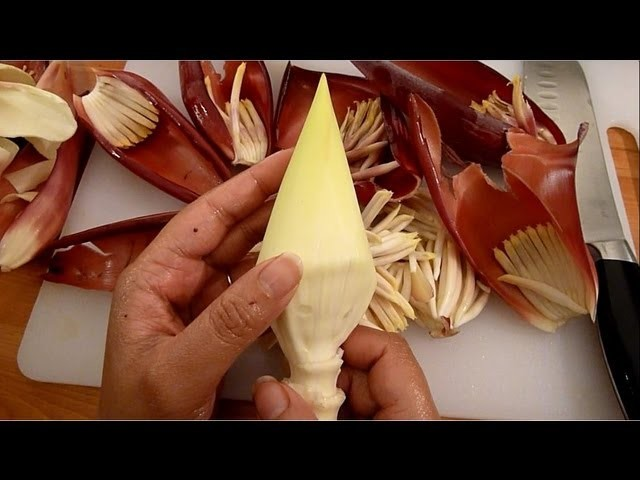 How To Cut and Clean Mocha. Banana Blossom. Banana Flower