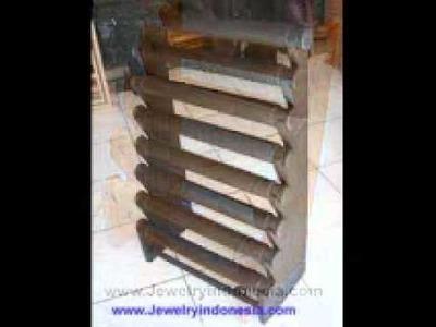 Jewelry Displays in Wood from Bali Indonesia