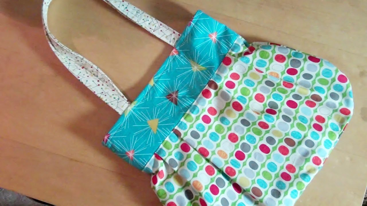 A fun reversible handbag for you to sew by Debbie Shore