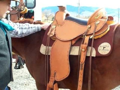 Cinching with Adjustable Rigging on a Timberline Flex Panel Saddle