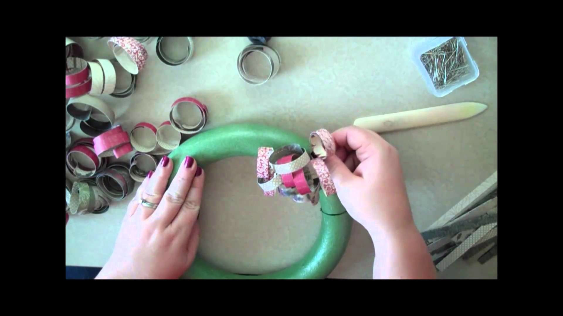 Curly Paper Christmas Wreath: How to make a curly paper wreath for the holidays.