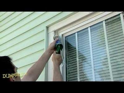 How to Caulk Windows For Dummies