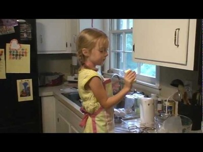Anna Grace Making a Flamingo Cupcake Cake