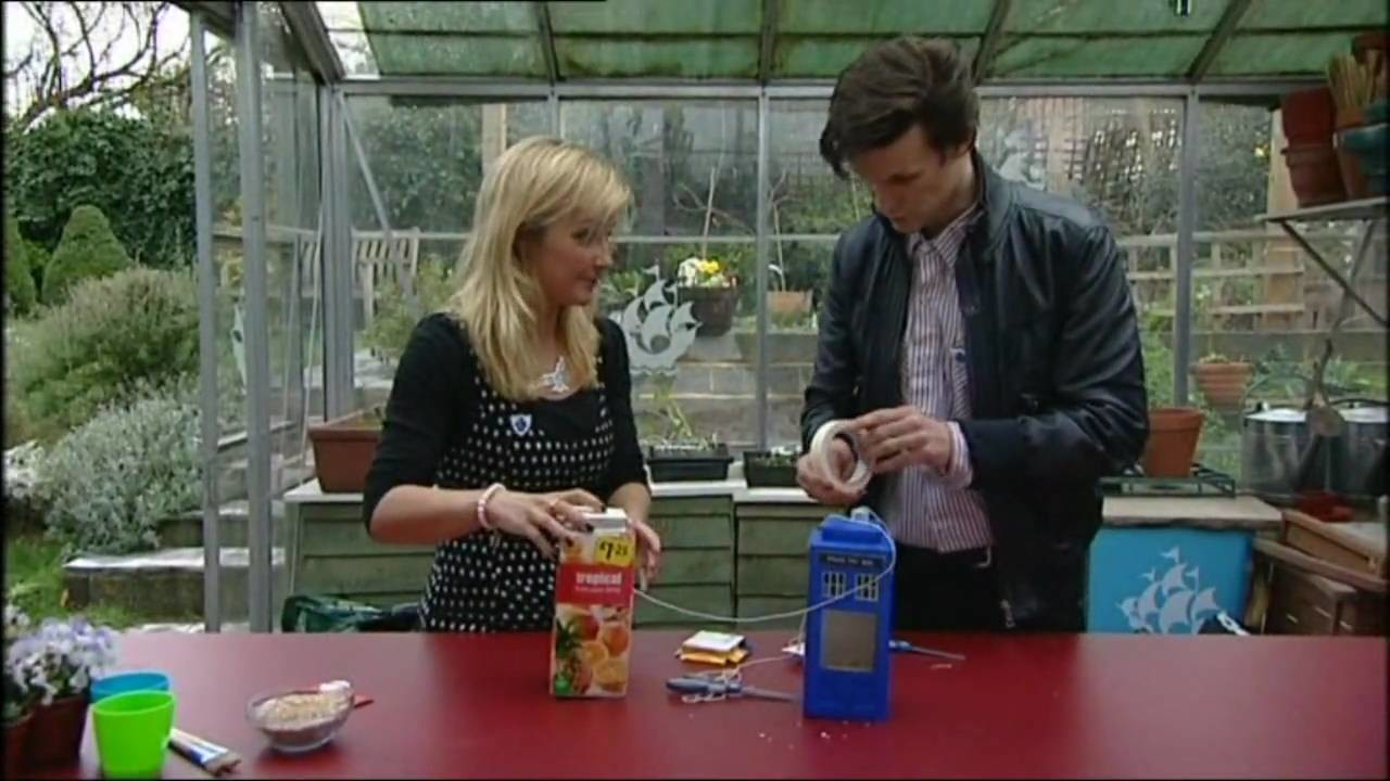 Matt Smith Makes a Tardis Bird Feeder