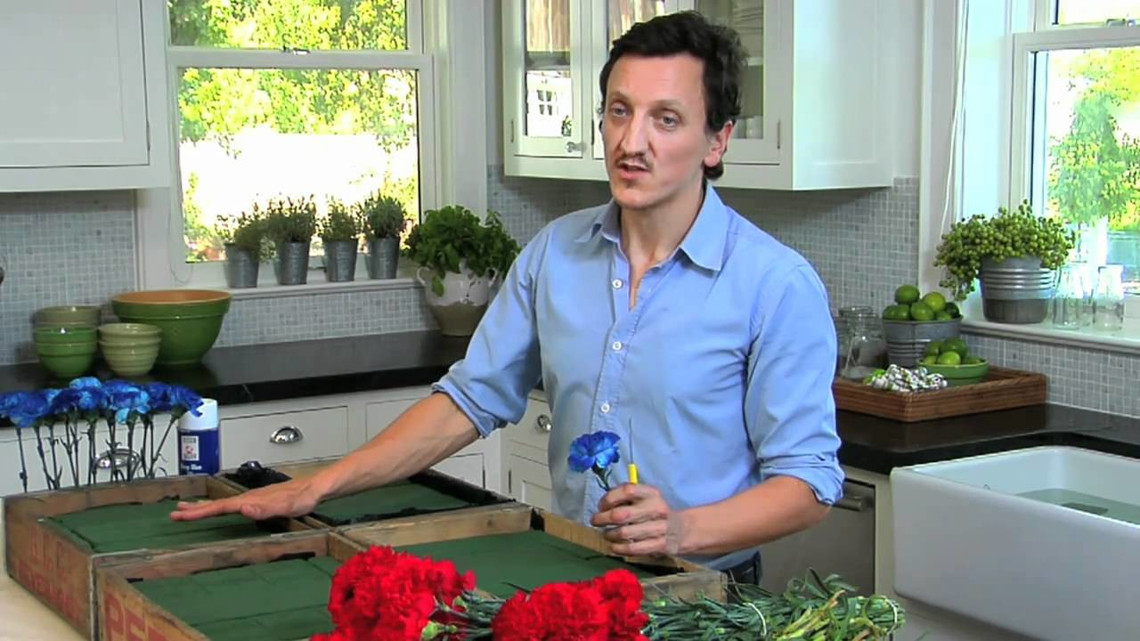 How to Make an American Flag Flower Arrangement for 4th of July | Pottery Barn