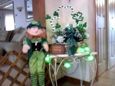Ohh the Leprechauns have arrived!  St. Patrick's Day Decoration time!!