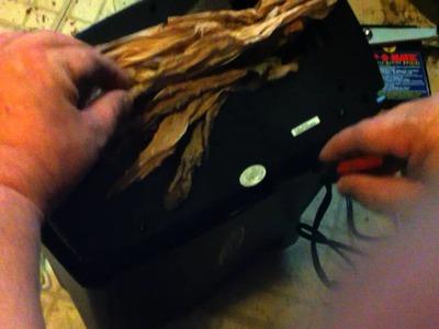 Cutting tobacco with a paper shredder Mod. Wm675xb