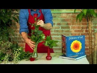 How to Decorate a Long Stem Rose in a Vase : Floral Design