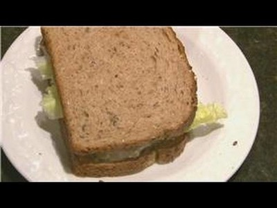 Sandwich Recipes : How to Make a Tuna Sandwich