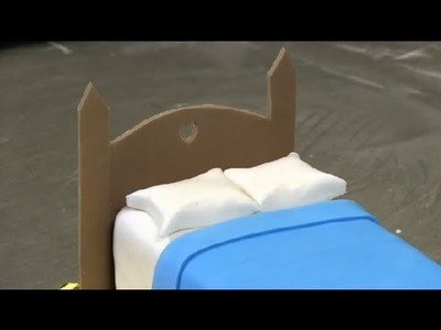 How to Make a Headboard Out of Fondant : Fondant Designs
