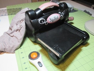 Cutting Fabric Embellishments with the Sizzix BigShot