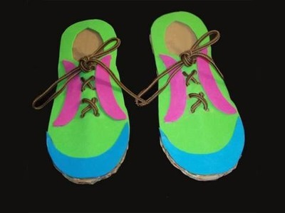 Recycled kids crafts: craft to learn to tie your shoelaces - EP