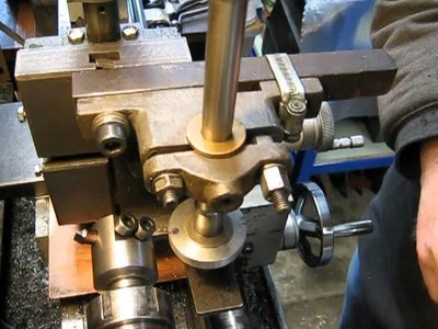 Make gears on a lathe - cutting direction
