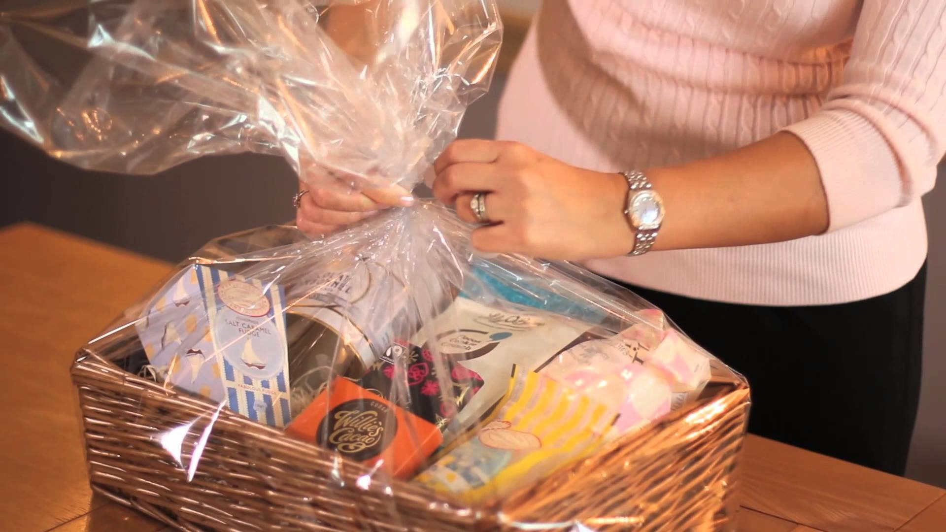 How To Make Your Own Gift Hamper