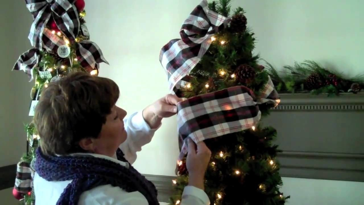 Using Ribbon on Your Christmas Tree
