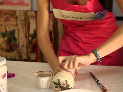 Decoupage on Christmas ball with Calambour rice paper