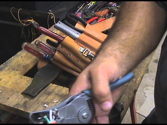 How to Repair an Extension Cord End