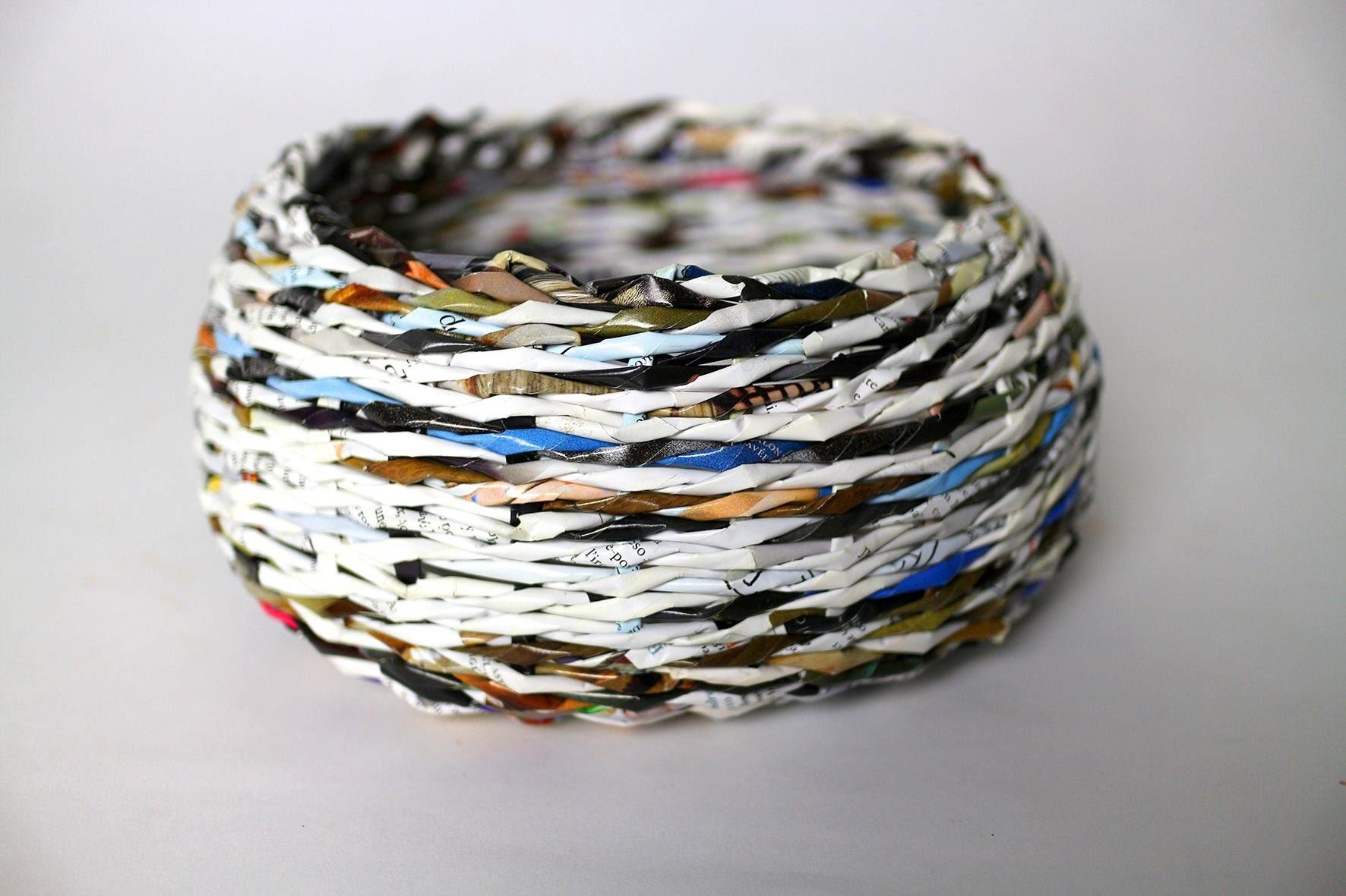 Paper Basket Weaving - Panier en Papier Tissé - Cesta de Papel Tejida