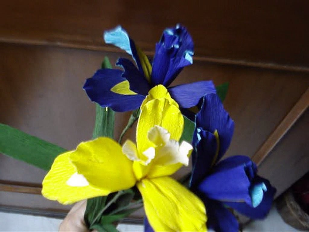 How to make paper flower -  Iris. Orchid