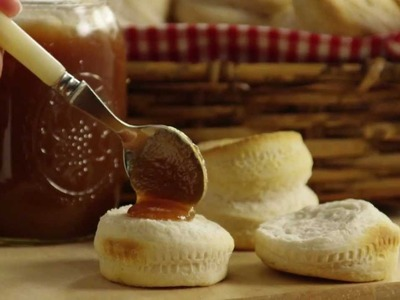 How to Make Slow Cooker Apple Butter