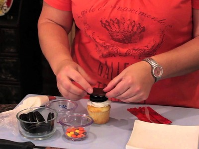 How to Make Graduation Caps for Cupcakes : Cupcake Decorating
