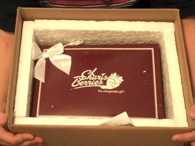Shari's Berries Review: Fresh Hand Dipped Strawberries from Berries.com