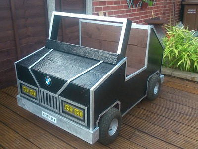 How To Build Your Own Children's Garden Car Storage Box Out Of Pallets
