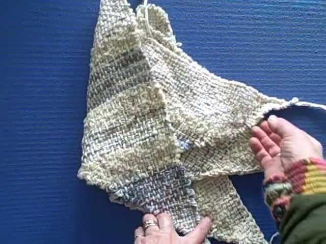 How to weave a triangle boho or hobo bag
