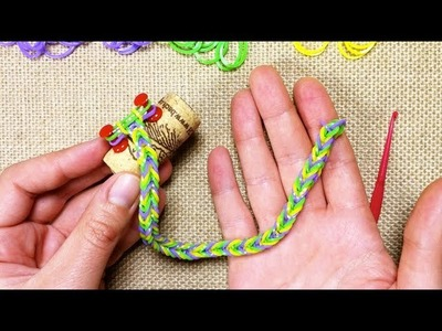 How to Make a Fishtail Rainbow Loom Bracelet (DIY Tutorial)