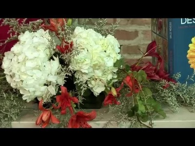How to Make a Wedding Centerpiece for the Head Table With Flowers : Floral Design