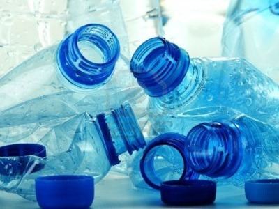 How to make plastic out of milk and vinegar