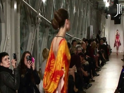 J Autumn Fashion Show on England's iconic Tower Bridge - XO Fashion Studio (Russia)