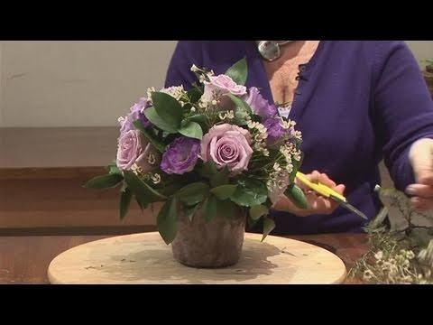 How To Make A Blue Wedding Flower Arrangement