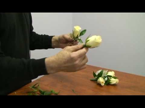How to Make a Corsage and Boutonniere for a Wedding