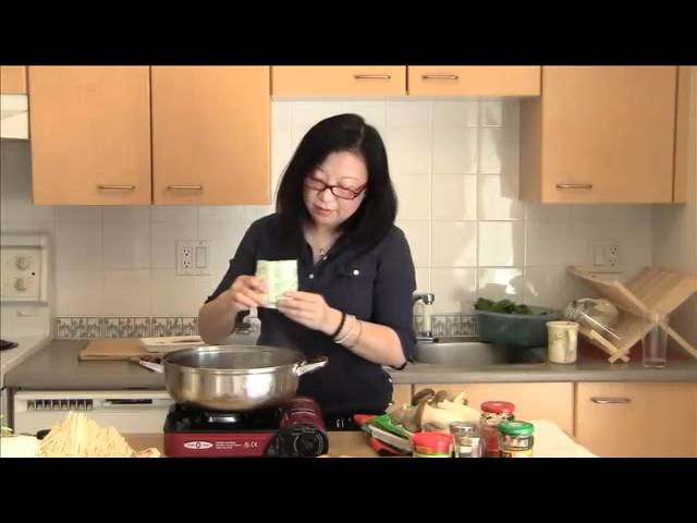 How to make Traditional Chinese hot pot
