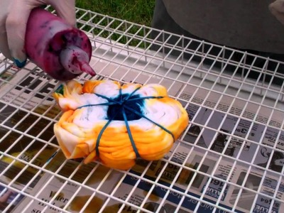 How to Tie Dye with Vivid Colors