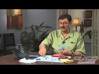 Cleaning Metal and Jewelry with Polishing Cloths
