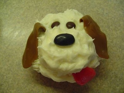 Decorating Cupcakes with yoyomax12: #2 Pupcakes (dog cupcakes)