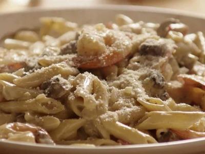 Pasta Recipes - How to Make Shrimp Alfredo