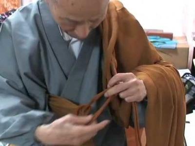 Gudo Nishijima Roshi: How To Wear O-kesa