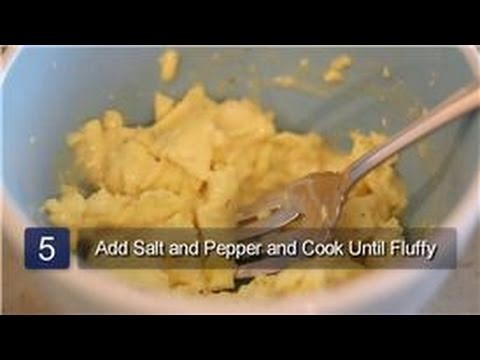 Cooking Eggs : How to Cook Scrambled Eggs in the Microwave