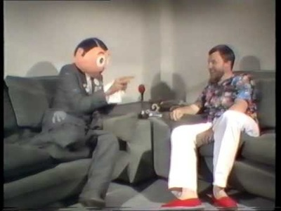Frank Sidebottom talk to the EMI sales force.