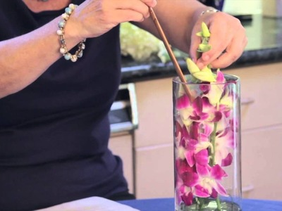 How to Make a Floral Arrangement Inside of a Cylinder, Clear, Tall Vase : Flower Arrangements
